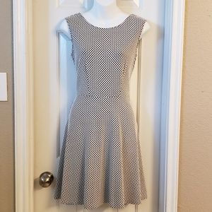 George Flowy Dress Black and White